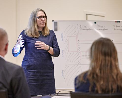 Annette vendelbo underviser